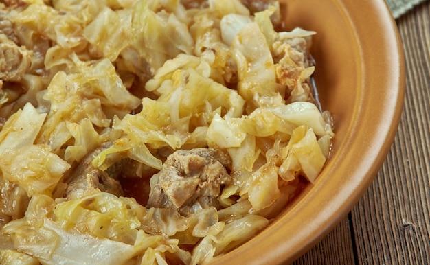 Varza calita cu carne - plat roumain, chou au porc