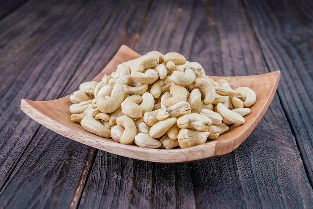 Végétarien groupe organique de noix de cajou brutes