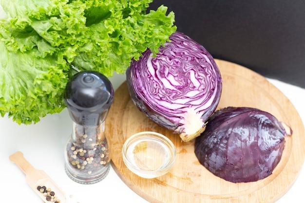 Végétarisme. ingrédients pour une salade légère