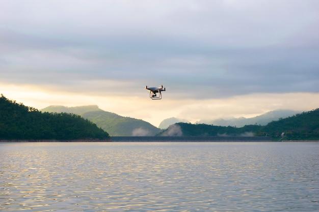 Véhicule aérien de dorn photographie aérienne à angle élevé