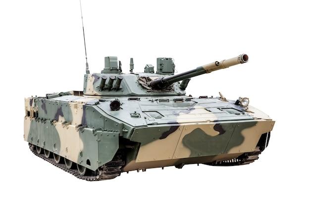 Le véhicule de combat bmd-4 de l'airborne isolé sur fond blanc