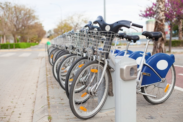 Vélos à louer sur la rue