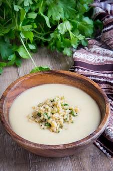Velouté blanche aux légumes, champignons, riz, bulgur, entrée savoureuse légère