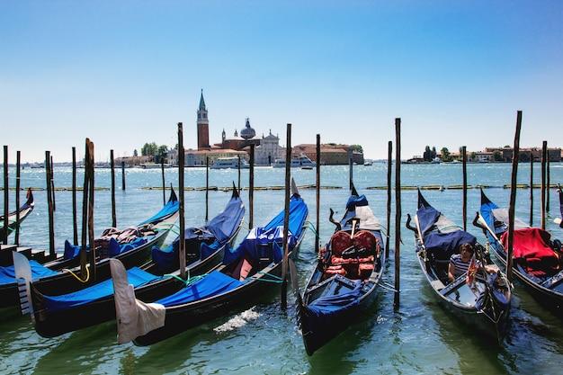 Venise avec gondoles