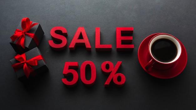 Vente cinquante pour cent de réduction avec café