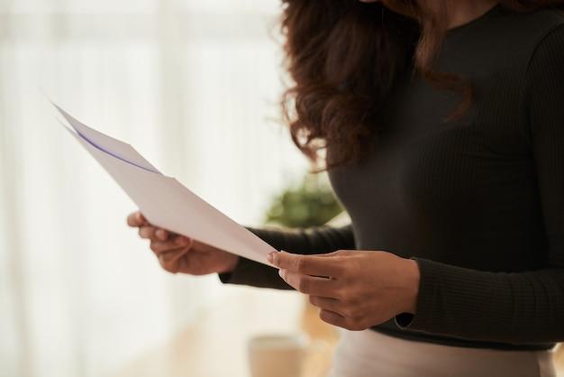 Vérification des documents commerciaux