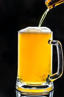 Un verre de bière macro photographie macro