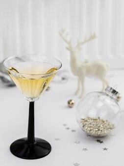 Verre à champagne avec figurine de renne