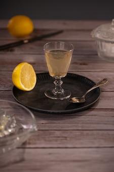 Verre citron antique pressé