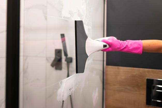 Verre de douche lave femme