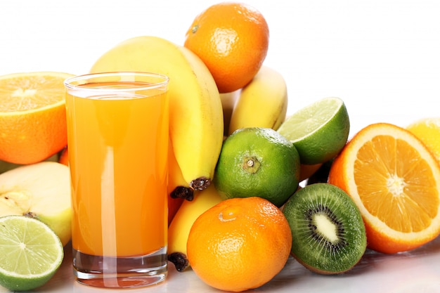Verre de jus de fruits frais