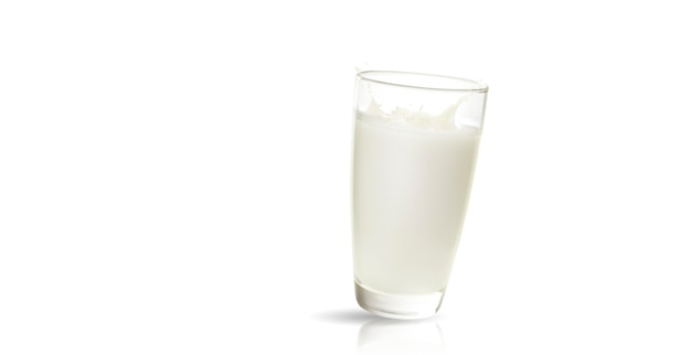 Verre de lait isolé sur blanc produit laitier bouchent