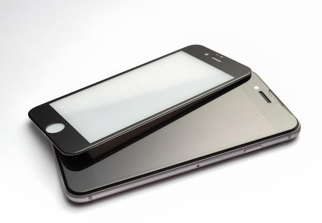 Verre de sécurité pour smartphone avec écran cassé