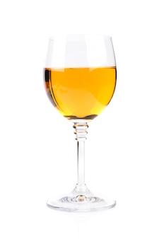 Verre à vin isolé sur blanc
