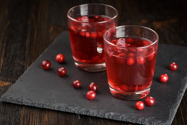 Verres de boisson aux canneberges fraîches
