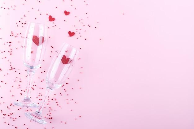 Verres à champagne coeurs rouges