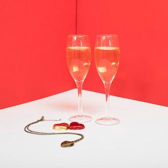 Verres à champagne avec pendentif