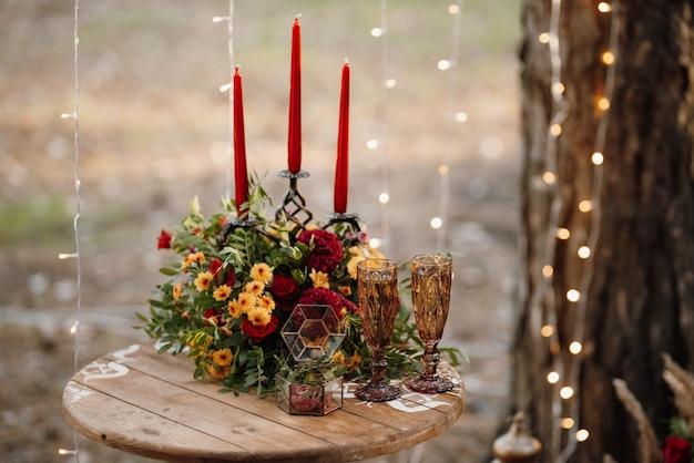 Verres de mariage pour le vin et le champagne en cristal