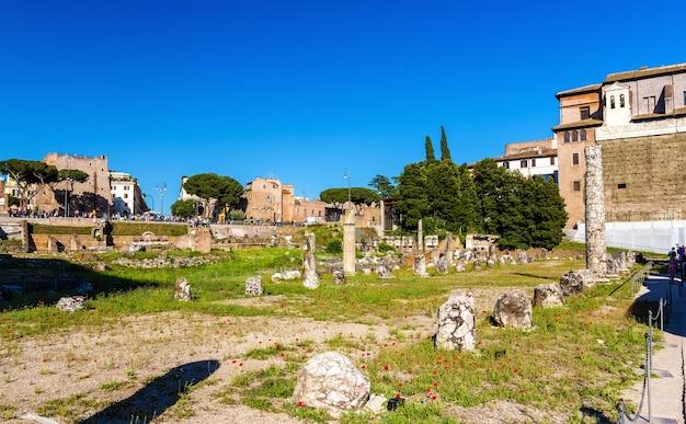 Vestiges du forum de nerva à rome