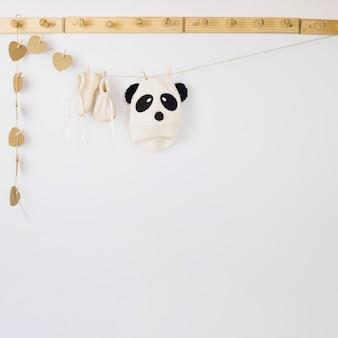 Vêtements de bébé sur la corde