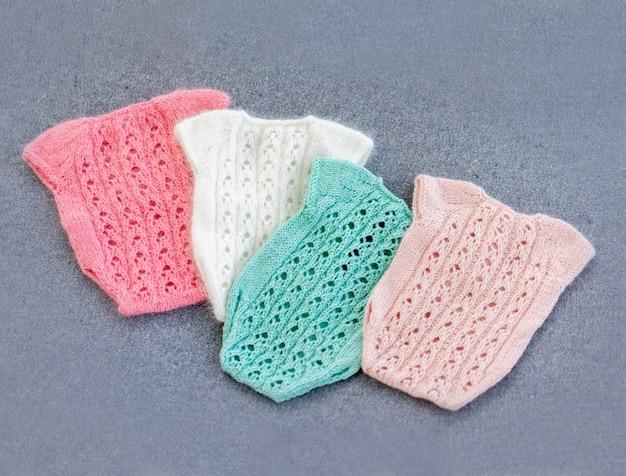 Vêtements de bébé nouveau-né en tricot