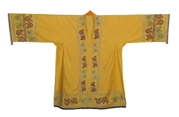 Vêtements d'extérieur de l'est national sur fond blanc. asiatique, ouzbek chapan