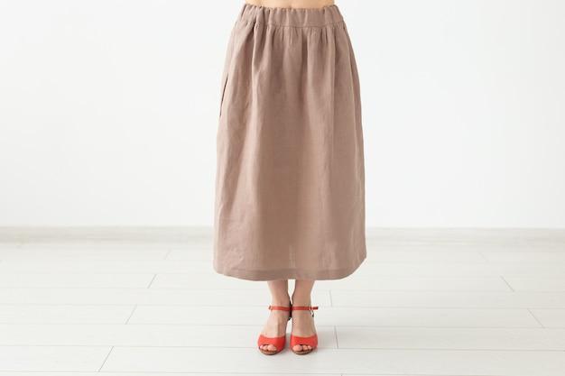 Vêtements, mode, concept d'entreprise - une jupe maison, un tissu de créateur