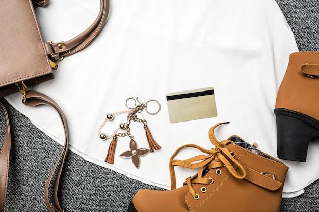 Vêtements pour femmes et accessoires mode pour faire du shopping