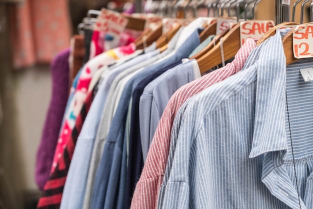 Les vêtements s'accrochent