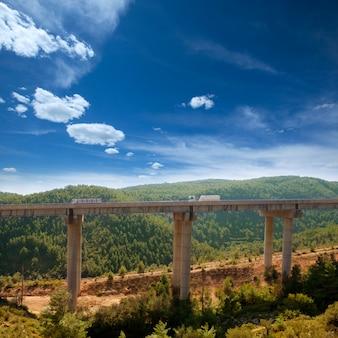Viaducto de bunol en autovia a-3 route valence