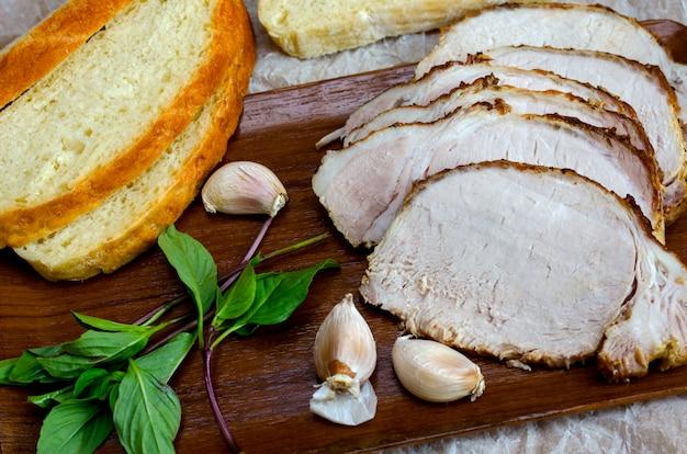 Viande au four avec pain fait maison