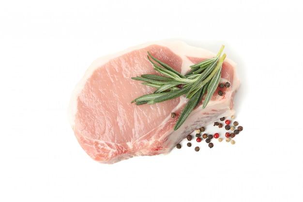 Viande crue pour steak isolé