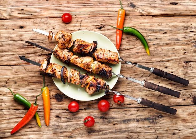 Viande grillée au kebab oriental