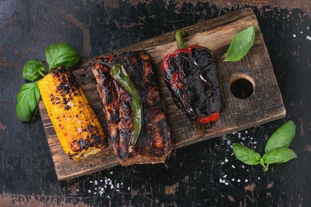 Viande et légumes bbq
