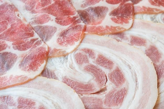 Viande de porc crue
