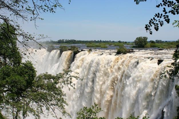 Victoria tombe au zimbabwe