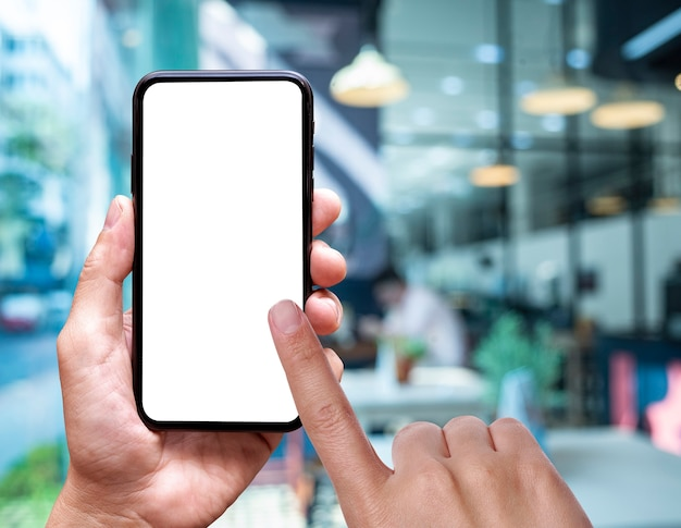 Vide de l'écran du téléphone portable à la main