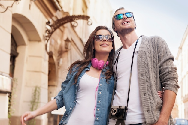 Vie citadine du couple hipster