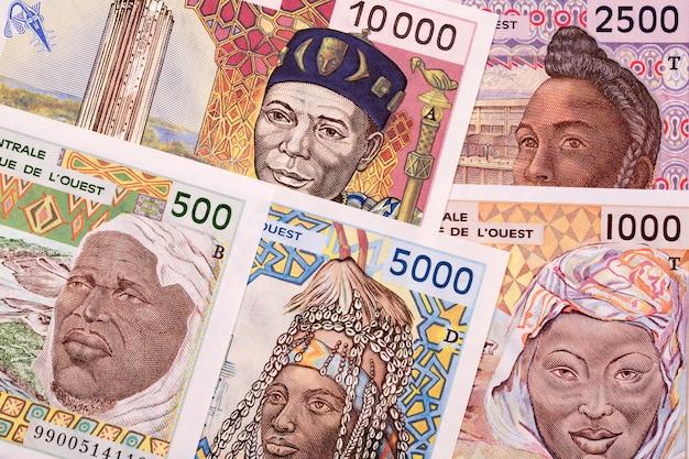 Vieil argent des états d'afrique de l'ouest un contexte commercial