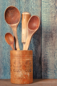 Vieille cuillère en bois