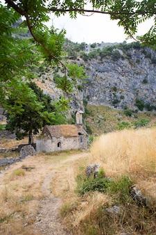La vieille église abandonnée, la baie de kotor