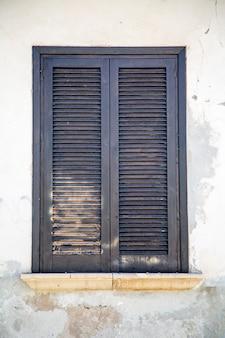 Vieille fenêtre sicilienne
