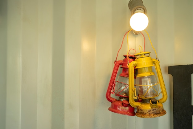 Vieille lanterne n'est pas utilisé comme décoration de la maison