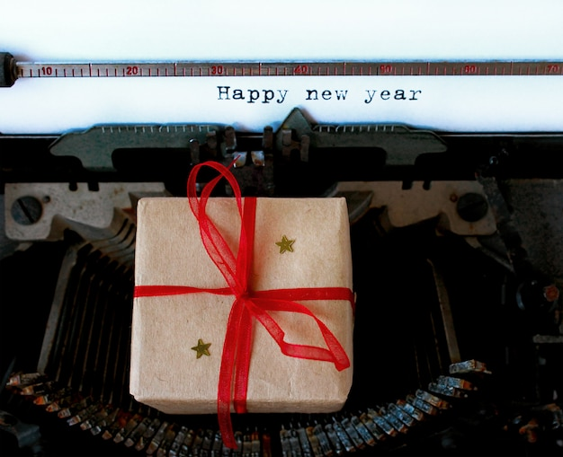 Vieille machine à écrire texte nouvel an