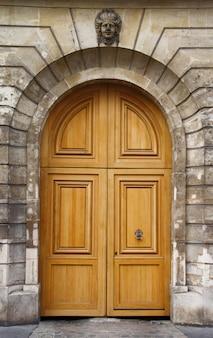 Vieille porte en bois