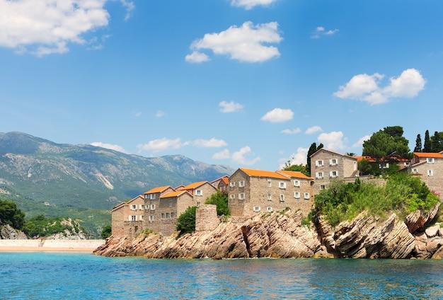 Vieille ville sur la côte adriatique
