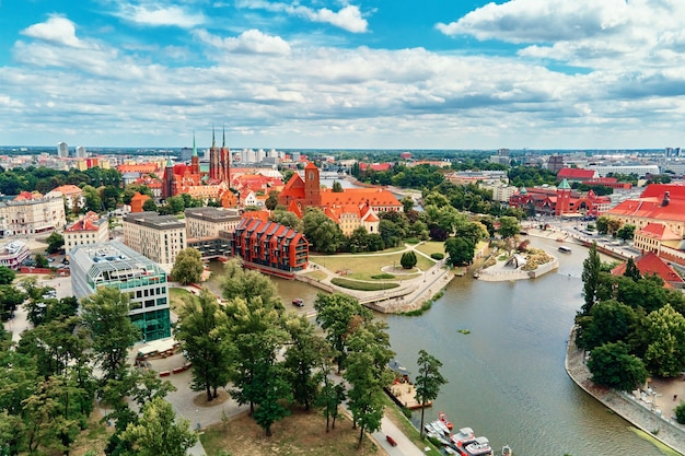 Vieille ville de panorama de ville de wroclaw dans la vue aérienne de wroclaw