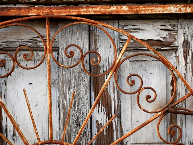 Vieilles portes en bois, structure et détails