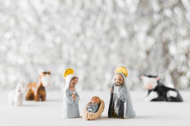 Vierge marie avec bébé jésus et saint joseph sur fond flou