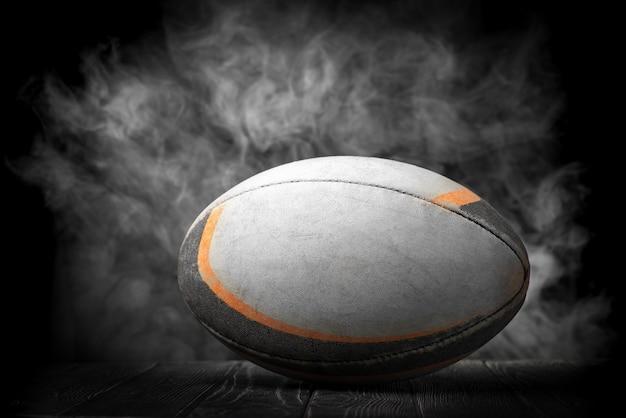 Vieux ballon de rugby